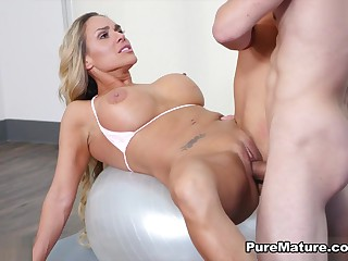 Tegan James nearby Behind the scenes Working-out - PureMature